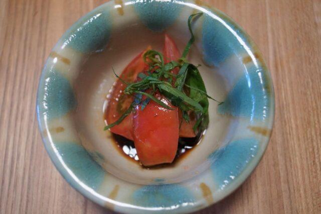 トマトのプルーン醤油漬け