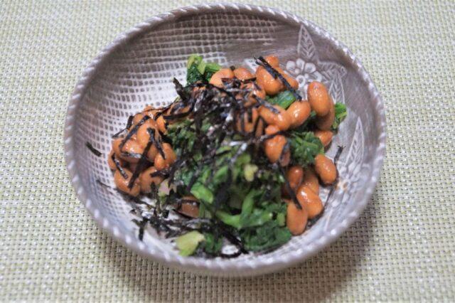 納豆とほうれん草の和え物