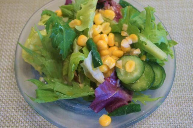 とうもろこしと胡瓜のサラダ