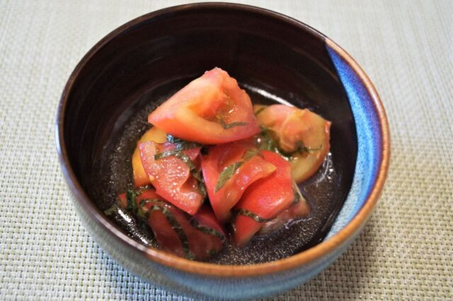 トマトのしそ和え