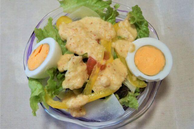 野菜サラダ茹で卵添え