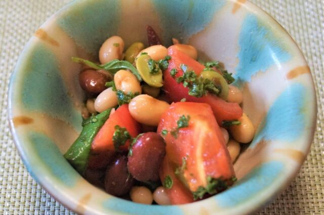 豆とトマトのハーブサラダ
