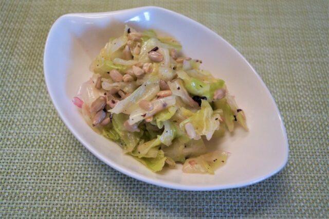 キャベツ胡麻塩サラダ