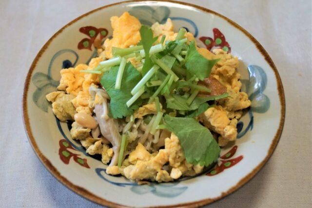 きのこと卵の炒め物
