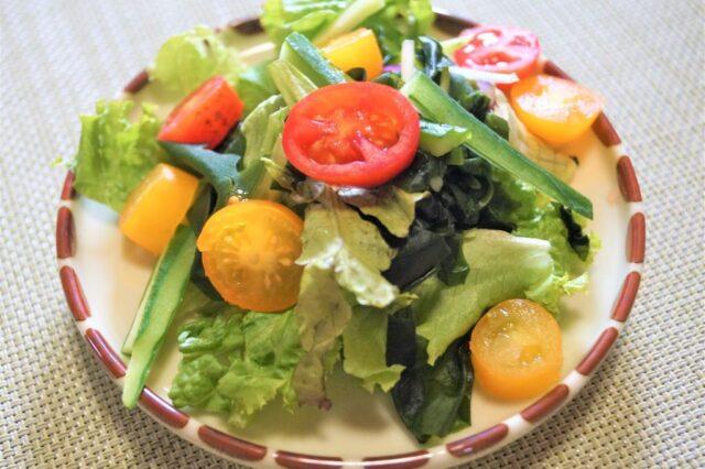 ワカメと野菜サラダ