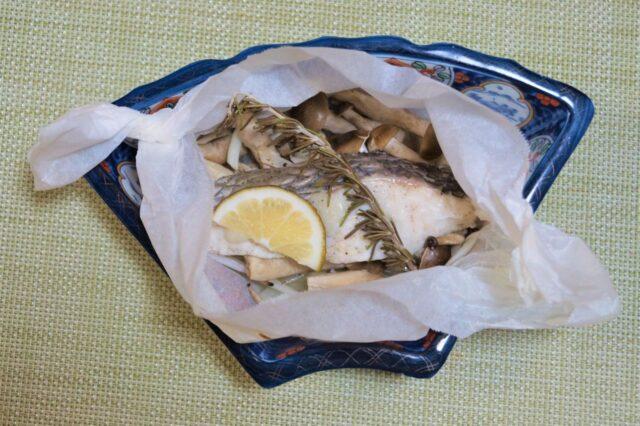 魚のハーブ包み